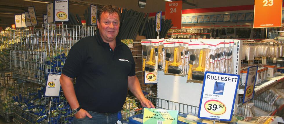 Jan-Reidar Andreassen, daglig leder hos Biltema på Alnabru, opplevde at salget av malerullsett ble doblet etter at Biltema satt opp prisen med 33 prosent.