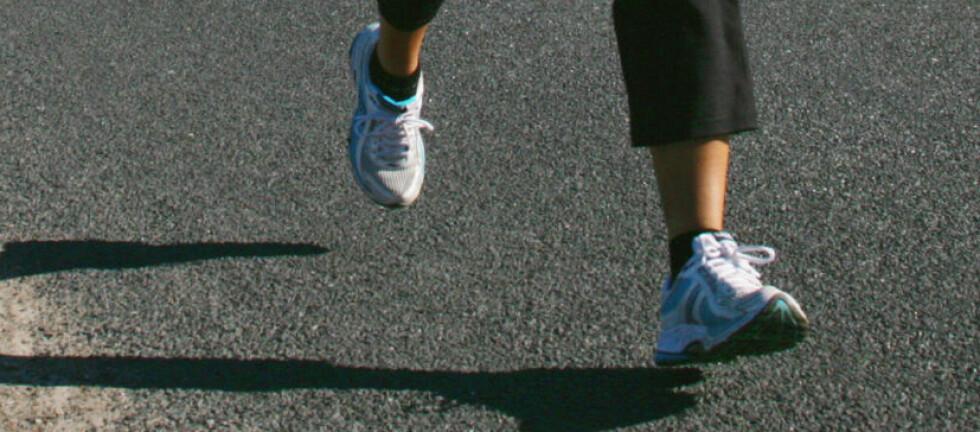 Løper du 2-3 ganger i uken, burde du ha riktig utstyr, som gode løpesokker.  Foto: Colourbox.com