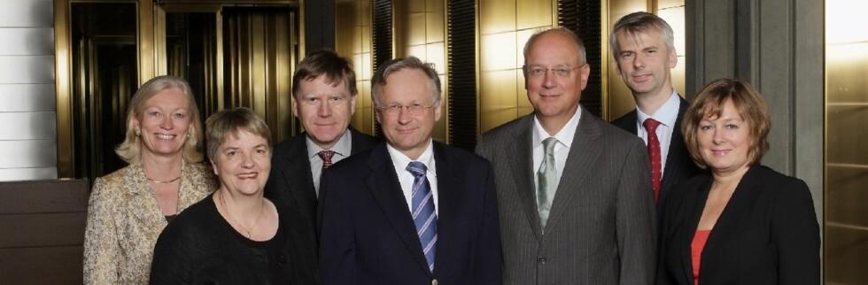 Sjefene for de gode tider:  Hovedstyret i Norges Bank er egentlig ikke så glade for at boliglånskundene er glade. Foto: Sturlason