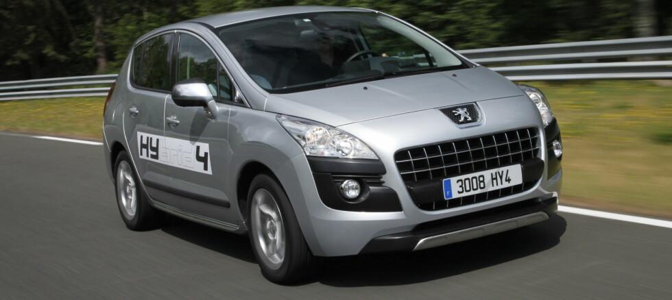 Peugeot 3008 HYbrid4: Panikken brer seg