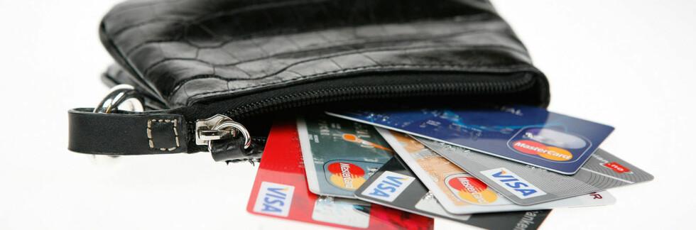 Ikke ta med alle betalingskortene dine i ferien. Noen kan med fordel ligge hjemme. Foto: Per Ervland