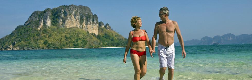 Disse to reiser ikke på ferie for å få billig flatfyll. Foto: Apollo