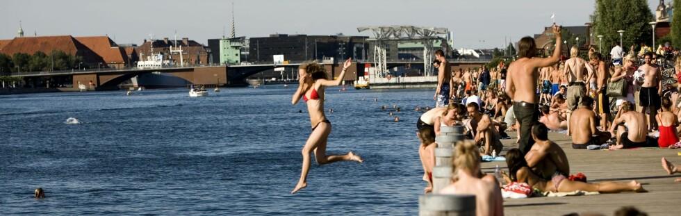 Badeferie i København? Bildet viser badeliv vad Islands Brygge i den danske hovedstaden. Foto: Christian Geisnæs/VisitDenmark
