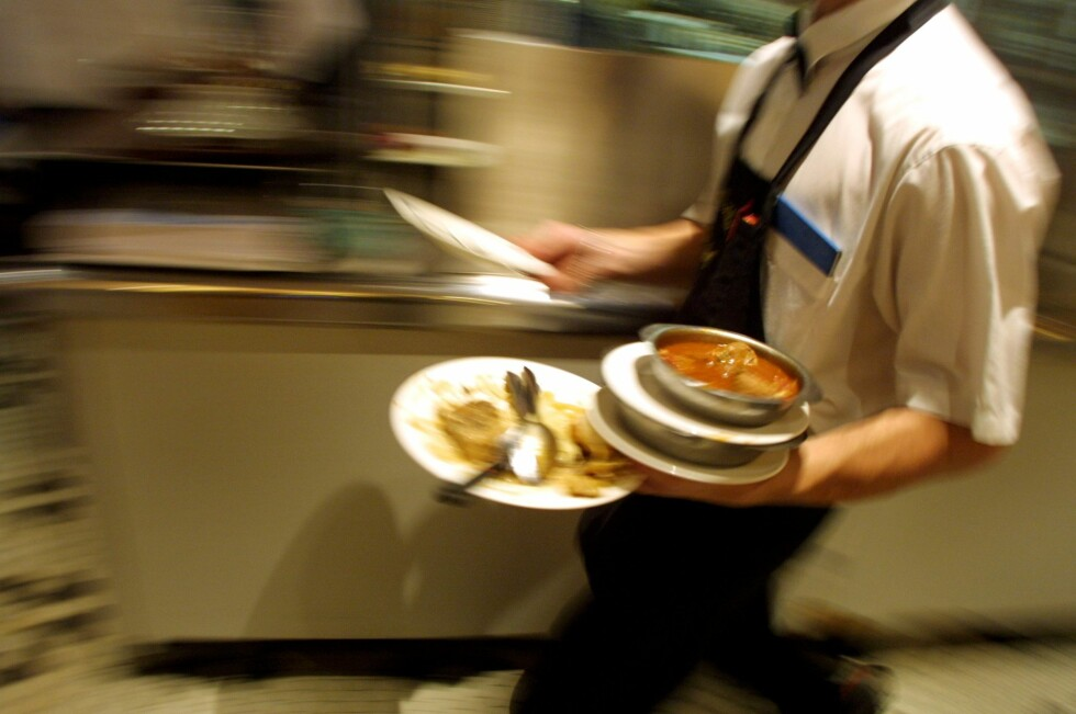 Bedre uten tips:  Kelnernes egen fagforeningsleder ber deg ikke å gi dem tips. Foto: colourbox.com