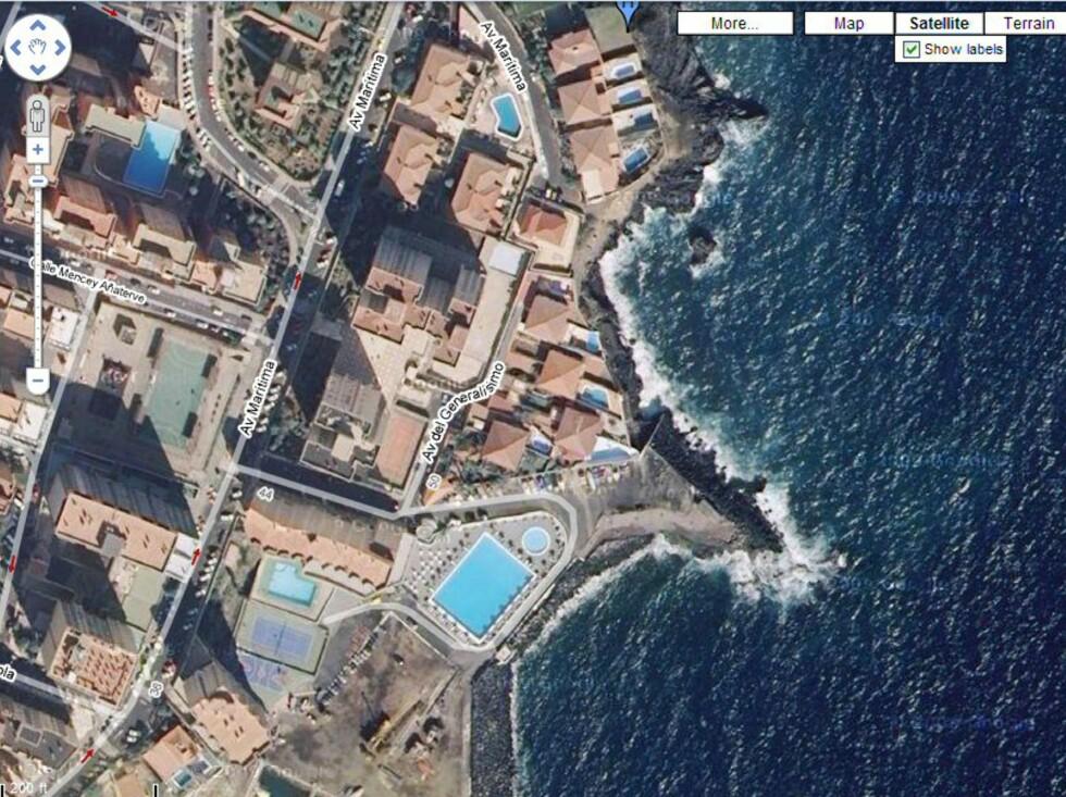 I Cho Vito på Tenerifes østkyst ble disse husene bulldoset ned i 2008, fordi de uten tillatelse var bygget nærmere sjøen enn loven tilsa. Foto: Google Maps