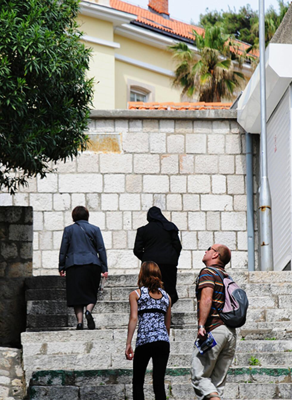 I juli og august er det stappfullt av turister i Dubrovnik. Ellers i året får du mer armslag. Foto: Hans Kristian Krogh-Hanssen