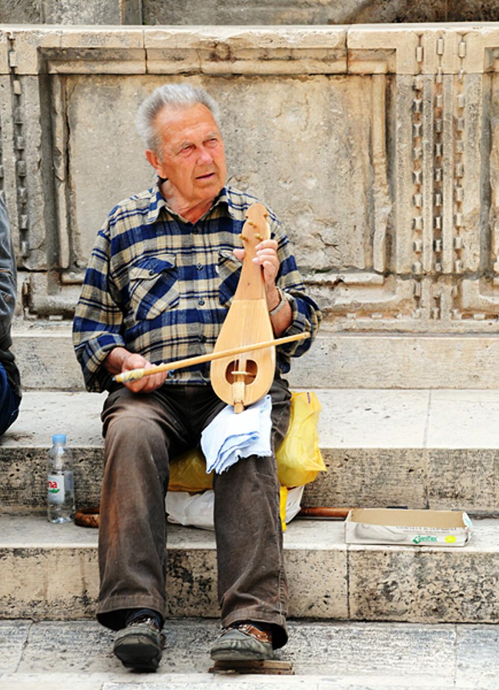 Det er mange som benytter sjansen til å tjene en ekstra slant av turismen. Foto: Hans Kristian Krogh-Hanssen