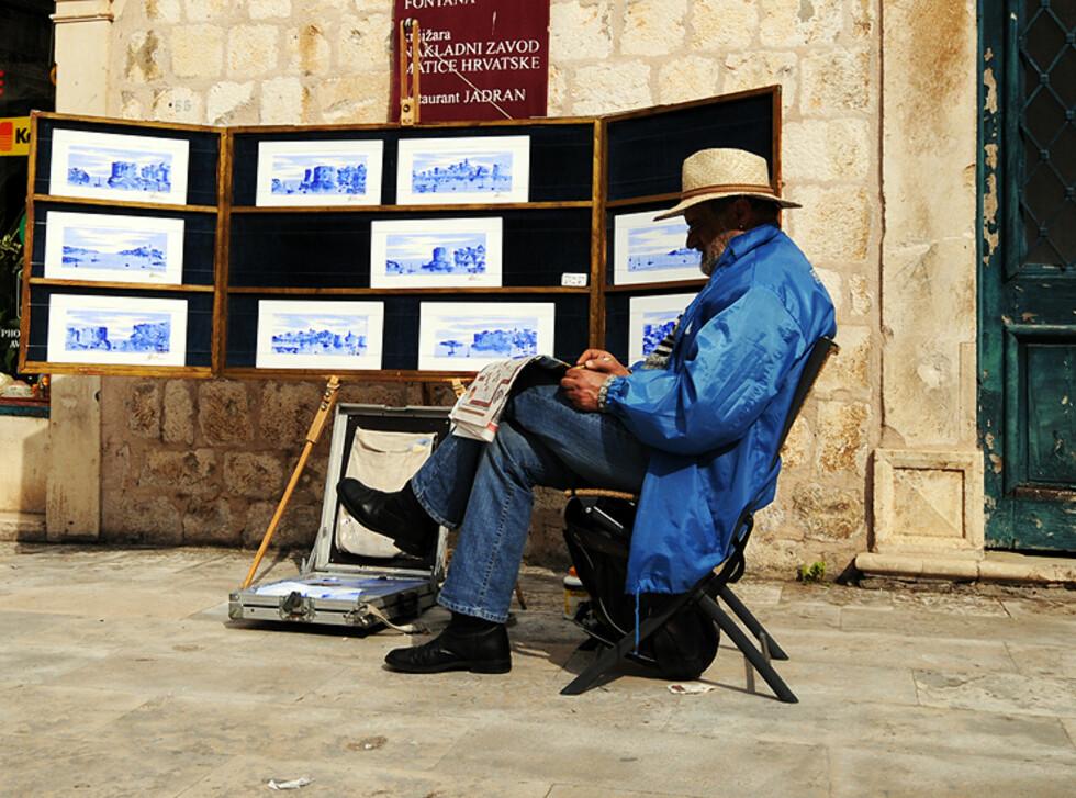 I mai er ikke storinnrykket kommet helt ennå, men selgerne er på plass. Du opplever imidlertid lite masete selgere i Dubrovnik. Foto: Hans Kristian Krogh-Hanssen