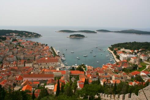 Kroatia er et rimelig middelhavsland. Her fra Hvar. Foto: Stine Okkelmo
