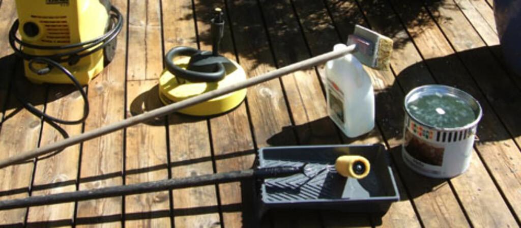 <b>GJØR TERRASSESTELLET TIL EN LEK:</b> Med dette verktøyet, går det vårlige terrassestellet som en lek. Foto: Brynjulf Blix