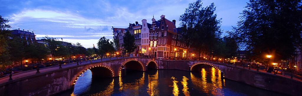 Amsterdam er en perle av en storby, og absolutt verdt et besøk. Foto: Lindzard