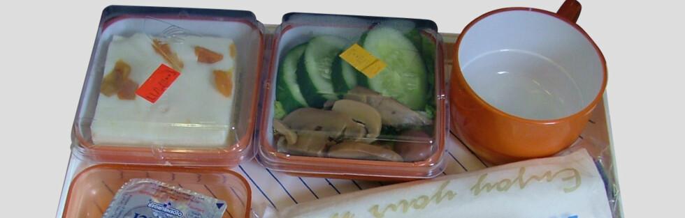Familien på fire betaler 360 kroner for mat på charterflyturen med Solia, mens du må ut med 540 ekstrakroner for flymaten om du reiser med Star Tour eller Nazar. Foto: Chaleerat Ng.