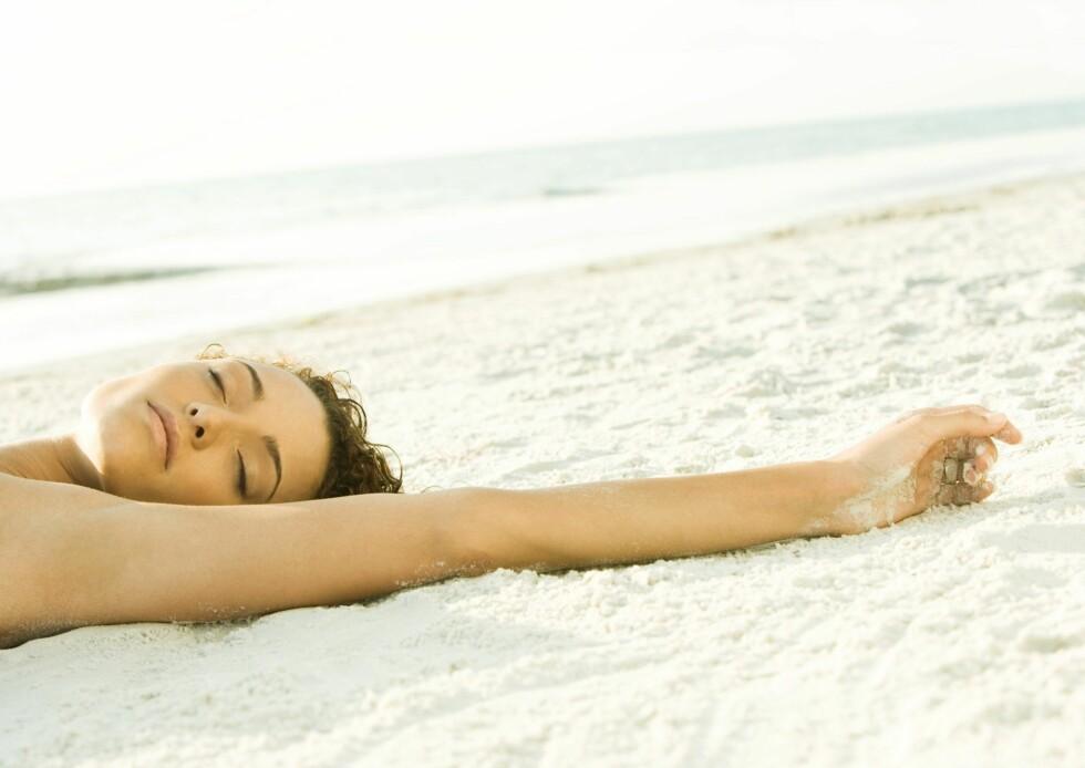 Vi bruker for lite tid i dagslys og får dermed for lite tilførsel av D-vitaminer, viser en ny undersøkelse.  Foto: colourbox.com