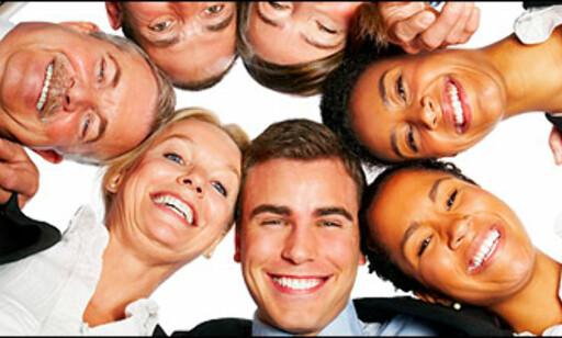 Smil videre: Om alle vi tror veldig hardt at boligprisene stiger, så kommer de til å stige. Foto: Istock