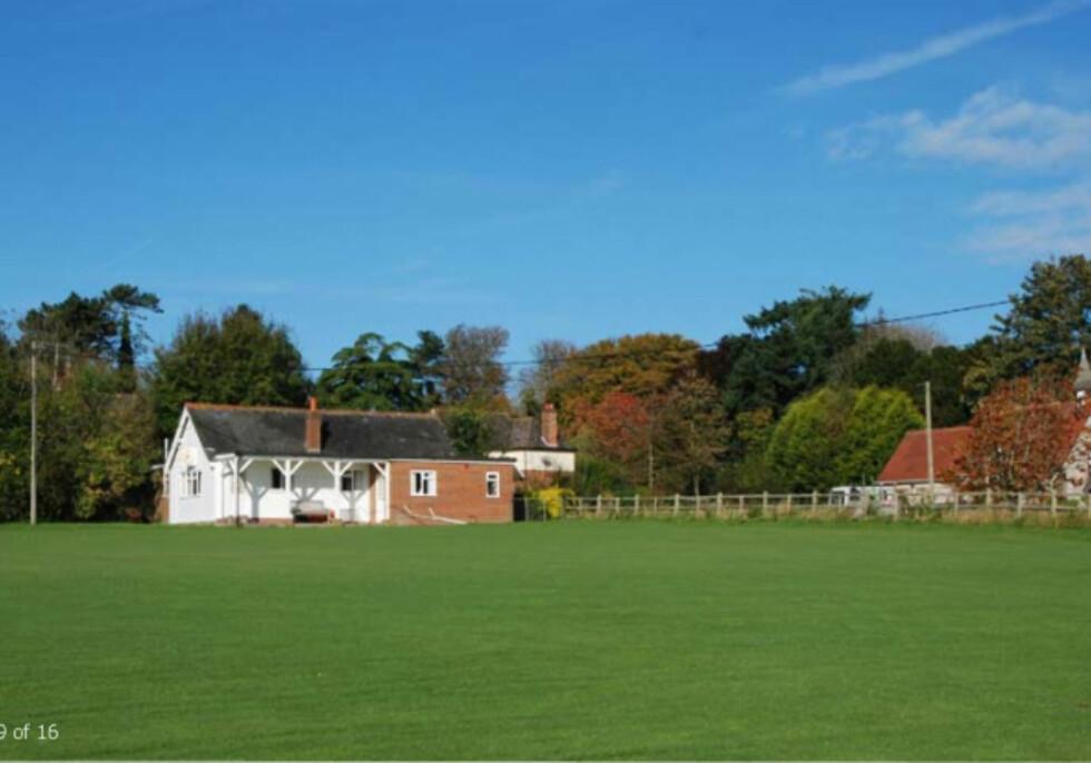 Cricketbanen med tilhørende paviljong. Foto: Jackson-Stops & Staff