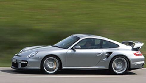 FINALIST III: Porsche 911 Carrera (bildet viser en GT2)