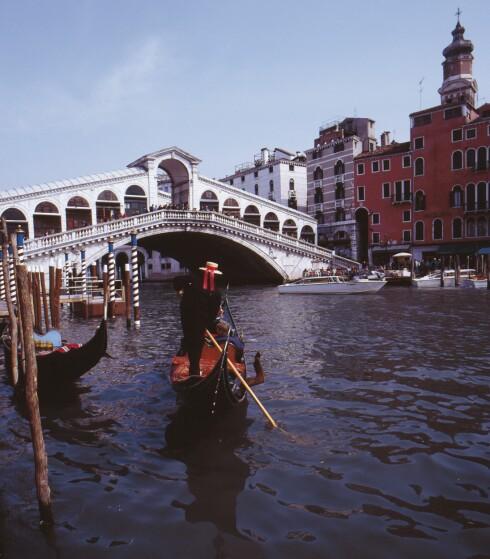 Ingen tvil om at kanalene i Venezia er  romantiske...  Foto: Colourbox.com