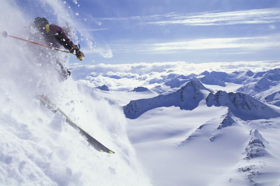 Man Downhill Skiing Chugach Mtns Southcentral Valdez AK Extreme Winter Foto: Tom Evans