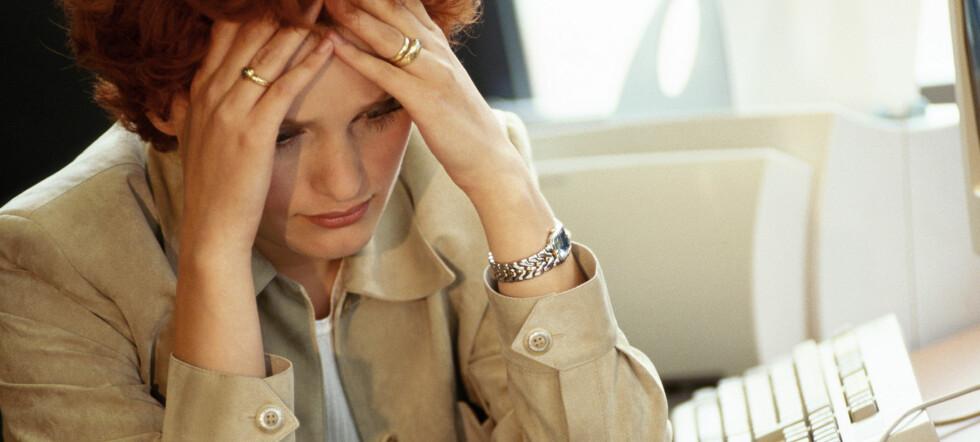 - Bekymrgingsverdig, sier forskeren om studien som viser at ungdom som bruker mye tid med datamaskinen får mer smerter i nakken (Foto: Colourbox.com).