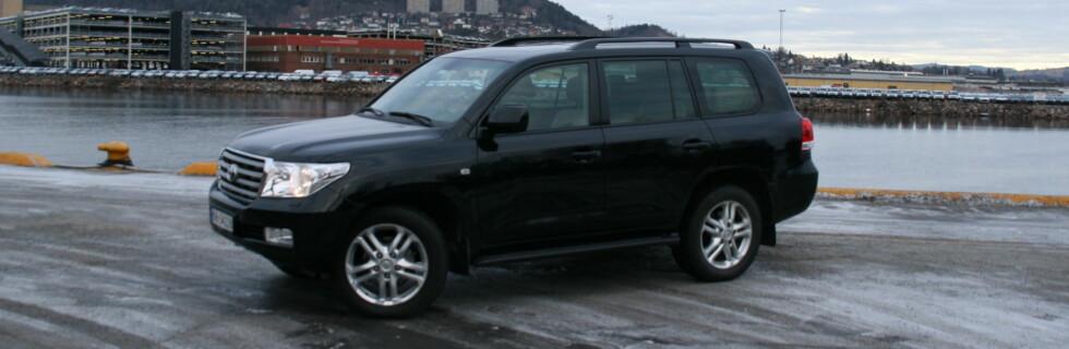TEST: Toyota Land Cruiser V8