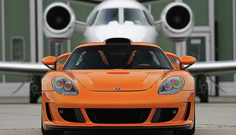 Bilder av Mirage GT Black Orange Special Edition