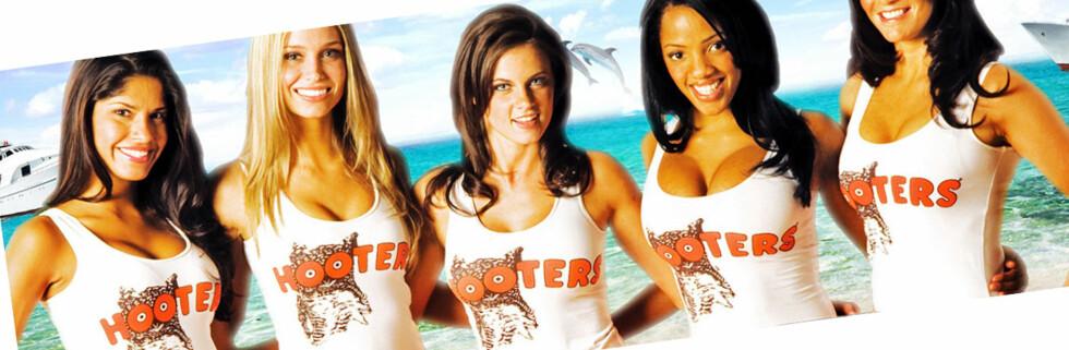 Hooters blir sakksøkt av en gruppe menn som påstår de er følelsesmessig krenket, fordi de ikke får jobb som hooters-jenter. Foto: Faksimile: Hooters.com
