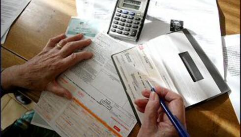Kommer regningene alltid som et sjokk? Kanskje du bør ta en skikkelig gjennomgang av økonomien din? Bilde: Colourbox.no.