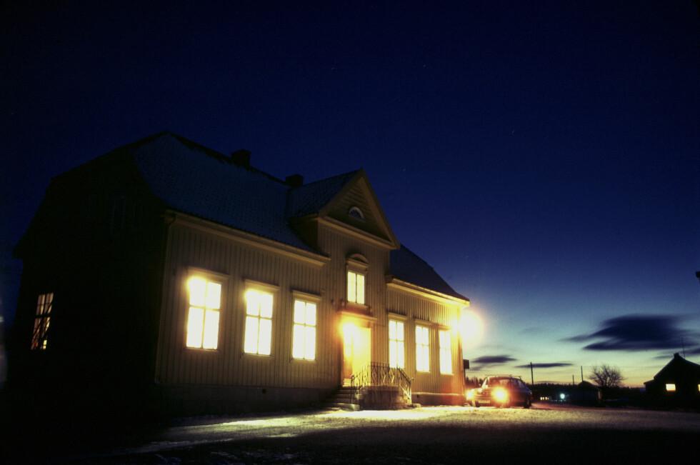 Tilsynelatende idyll, men en usynlig fare truer i mange norske hjem. Foto: Colourbox.com