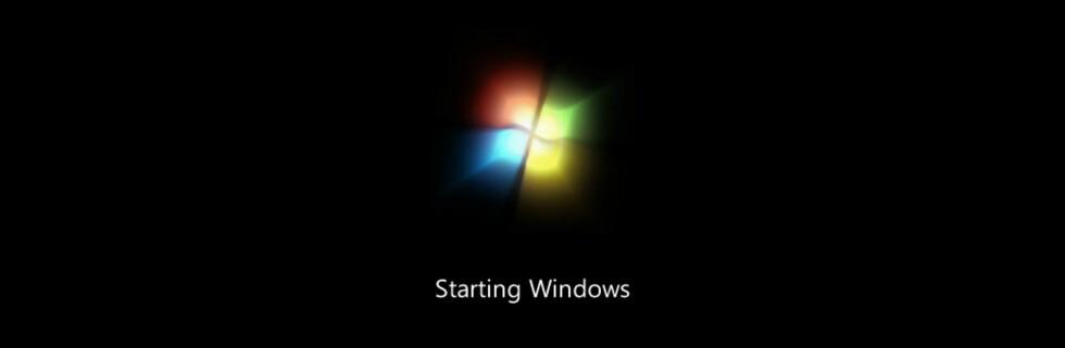 Windows 7-logoen funkler mens installasjonen startes opp