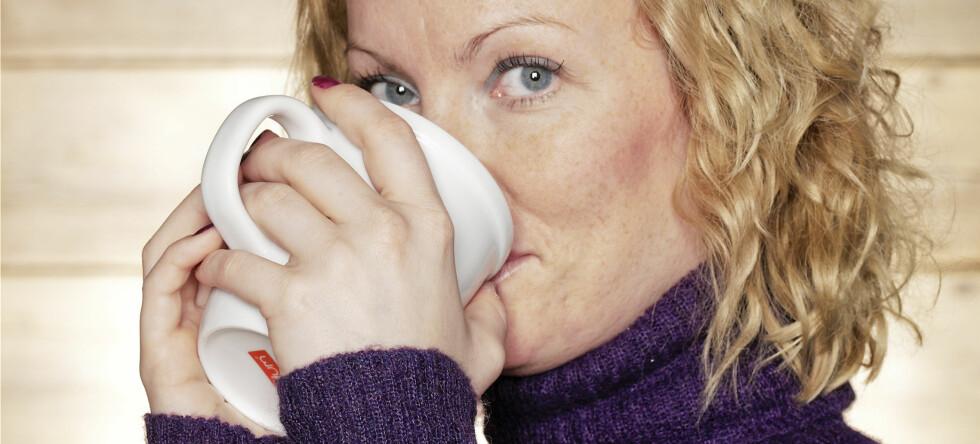 Kaffedrikking med måte, fra en til to kopper om dagen, er trygt og muligens også sunt for de fleste, ifølge ConsumerReports. Foto: Colourbox