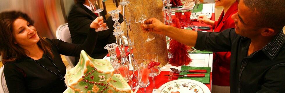 Mye fet mat og alkohol kan føre til sure oppstøt... Foto: Colourbox.com