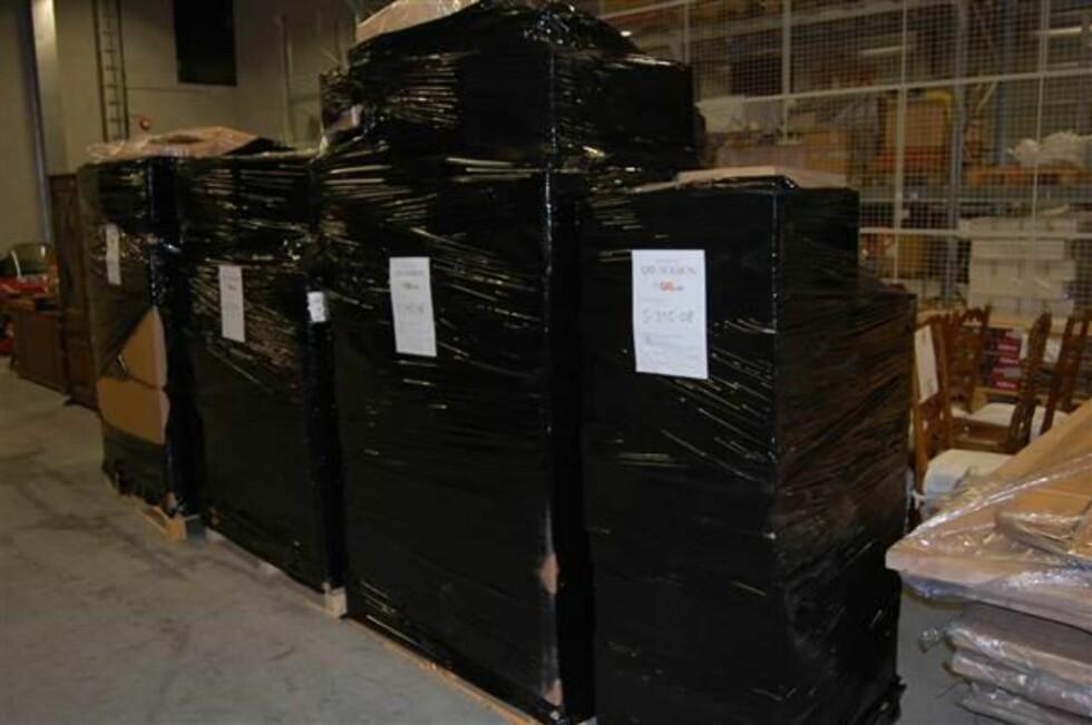 Dette er bare et av utropene i auksjonen - som inneholder alt fra lavasten til PC-vesker. Varene står på fire store paller og veier til sammen 400 kg. (Foto: QXL.no) Foto: Tollvesenet/QXL.no