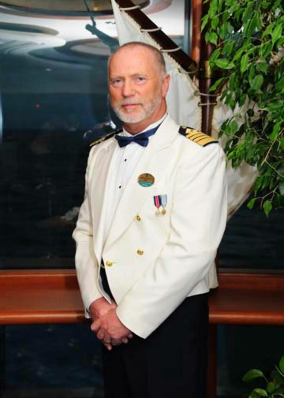 Thore Thorolvsen er i dag kaptein på Jewel of the Seas, men skal stå bak roret på Oasis of the Seas når hun sjøsettes i desember. Foto: RCCL