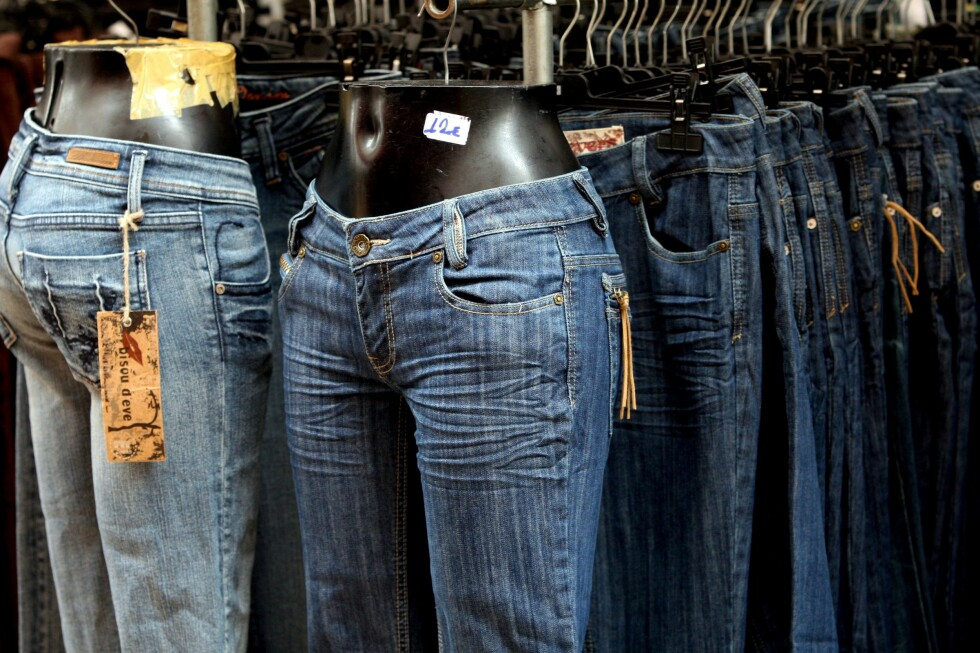 Klær er en av varegruppene som bare blir billigere, ifølge Statistisk Sentralbyrå. Foto: Colourbox.com