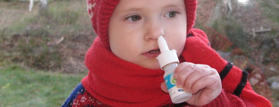 - Barn under to år bør ikke bruke slimavsvellende legemidler, sier Ansgar Berg, professor og forskningslege ved Klinisk forskningspost for barn ved Haukeland Universitetssykehus.  Foto: Kristin Sørdal