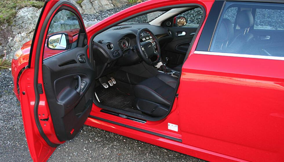 Store interiørbilder: Ford Mondeo 2.2 TDCi Titanium S