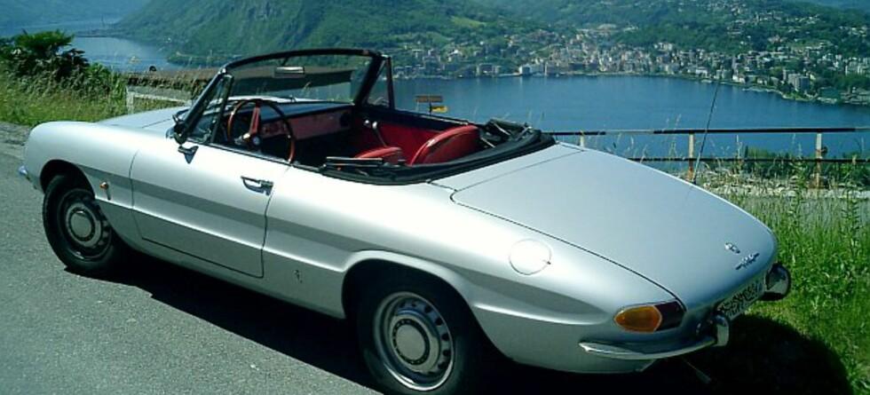 Alfa Romeo Duetto, kjæresten, skinnhansker og silketørkle - høres vel ut som en romantisk vinner? Star Tour lanserer sine nye togreiser i morgen, les om nyhetene under.   Foto: wikipedia