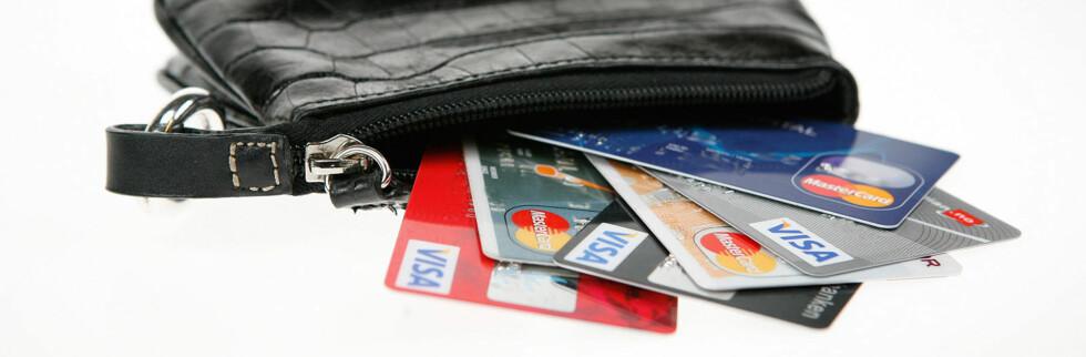 Kredittkort skal bli vanskeligere å få tak i. Foto: Per Ervland