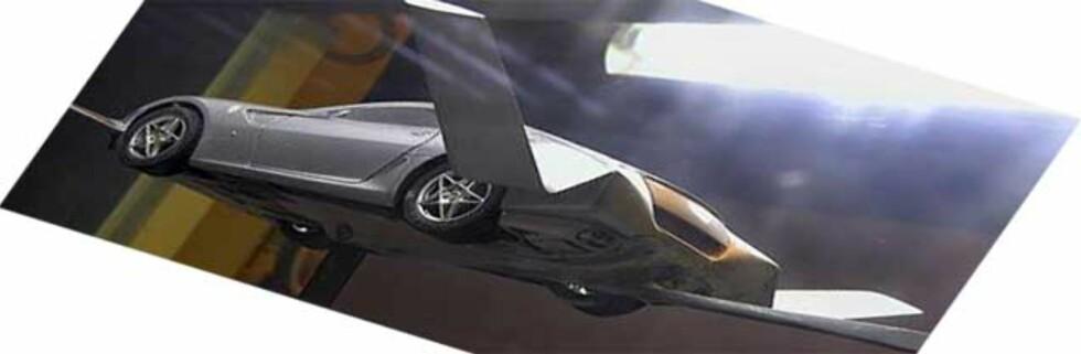 Ferrarien du snart må se opp for ...  Foto: SOLENT NEWS