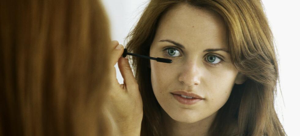 Bytt ut sminken før den blir for gammel, råder eksperter.   Foto: colourbox.com