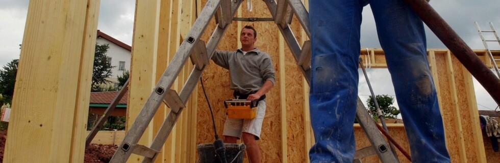 Ei nyoprettet klagenemnd skal gjøre det lettere å klage på dårlig håndtverkerarbeid. (illustrasjonsfoto) Foto: Colourbox