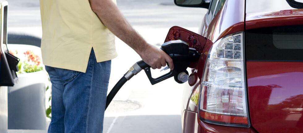 Fyller du feil drivstoff på bilen, kan det gjøre stor skade. Foto: ALLOVERPRESS