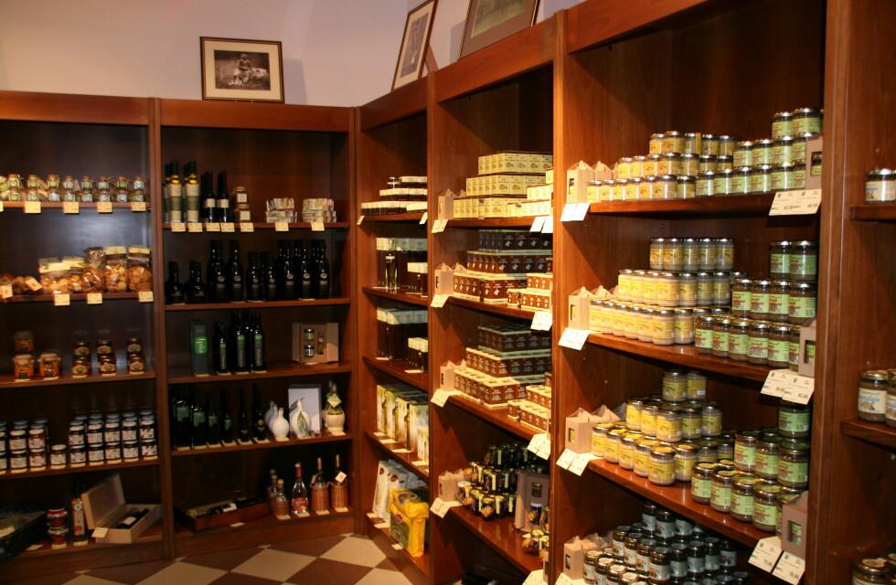 Inne i trøffelbutikken. Foto: Astrid Mannion