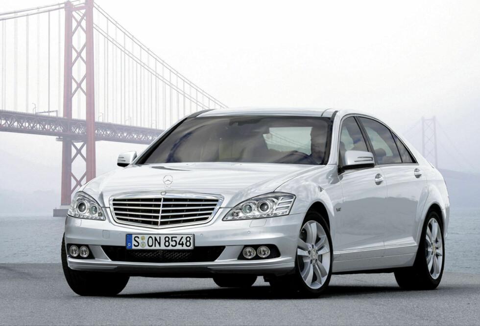Oppgradert Mercedes S-klasse er ventet i 2009. Foto: Automedia