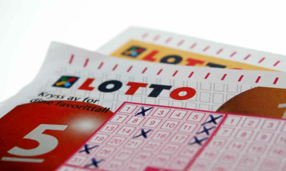 Noen lottomillionærer har fortjent millionene mer enn andre. Kanskje spesielt damen som ikke hadde penger til hverken melk og brød eller husleie. Foto: Kim Jansson