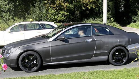 Store bilder av Mercedes' kommende kupé