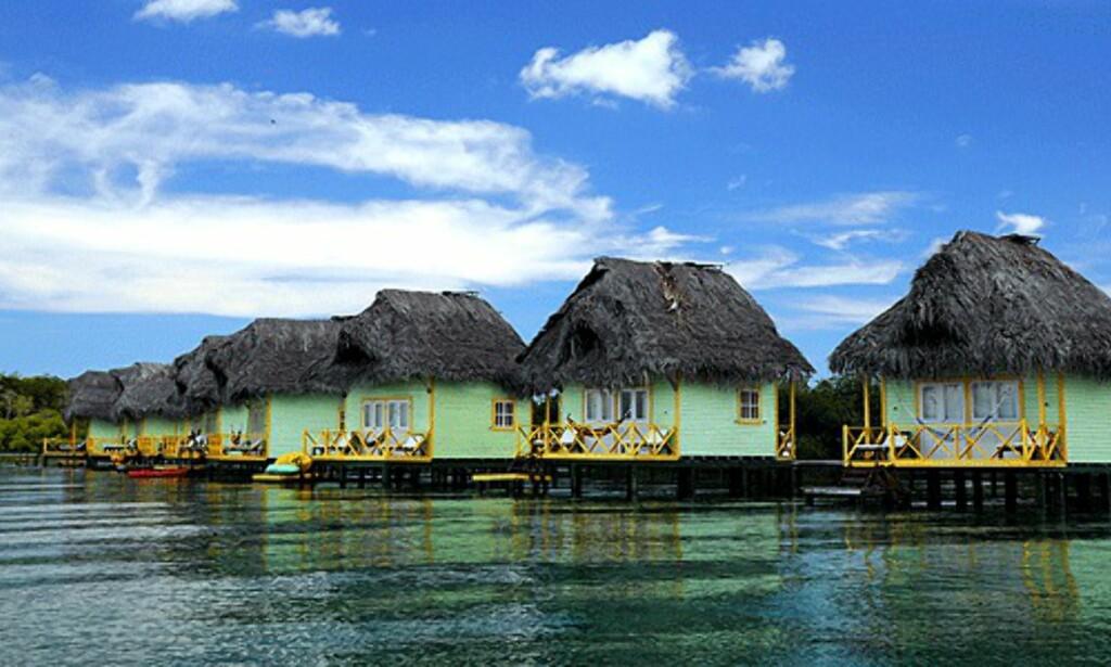 Eksklusive hytter over vannet på Isla de Bastimento.  Foto: Hans Kristian Krogh-Hanssen