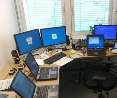 Totens største PC-tyv? Nei, dette er Østre Totens rådhus sin helpdesk.  Foto: Kristian G