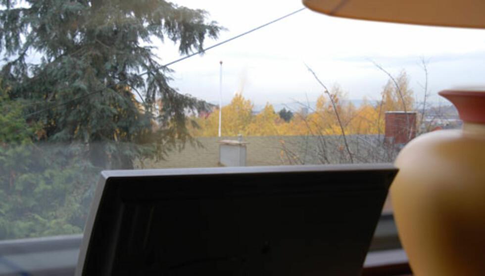 Utsikt nedover Groruddalen, dampen fra Brobekk midt i bildet...