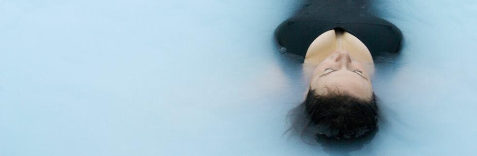 Et bad i Blue Lagoon utenfor Reykjavik er et must hvis du reiser til Island. Foto: Colourbox